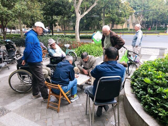 上海の町に屯う人々